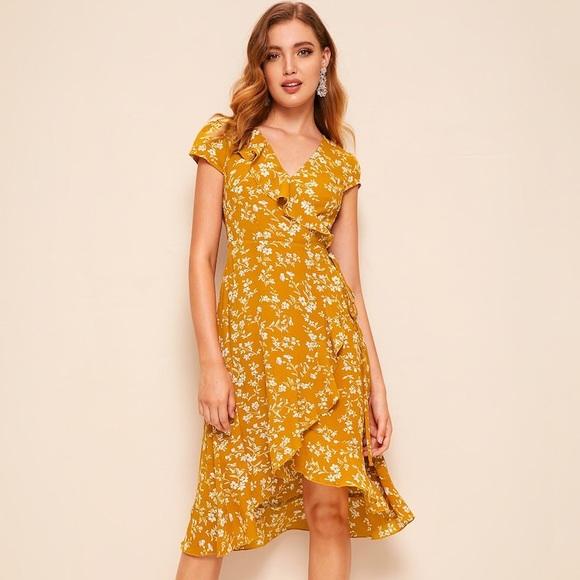 6ecf64eddd 60s Surplice Asymmetrical Ruffle Trim Floral Dress